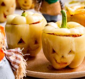 Grozljive paprike z ajdovim nadevom