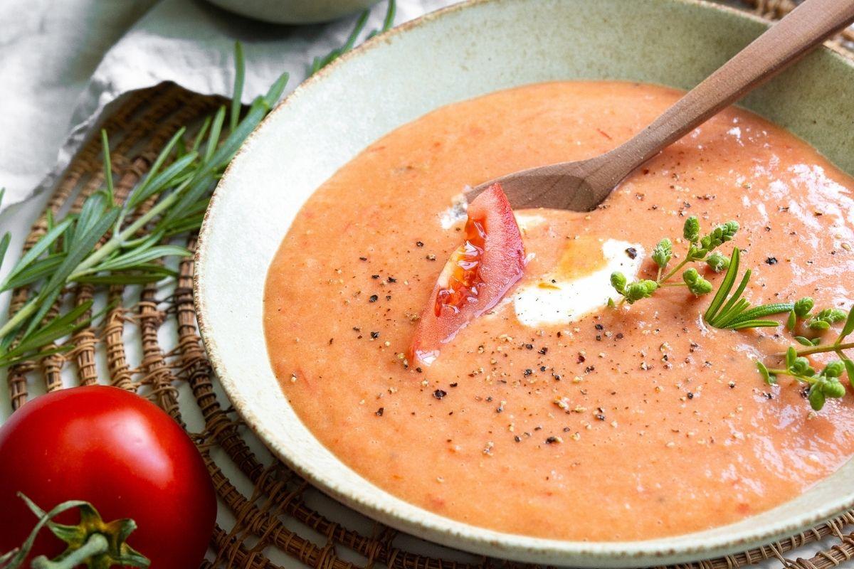 Domača paradižnikova juha