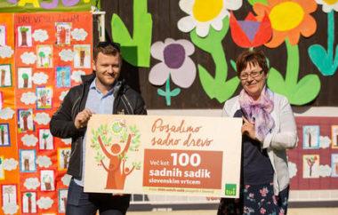 Posadili več kot 100 sadnih sadik s Skupnostjo vrtcev Slovenije