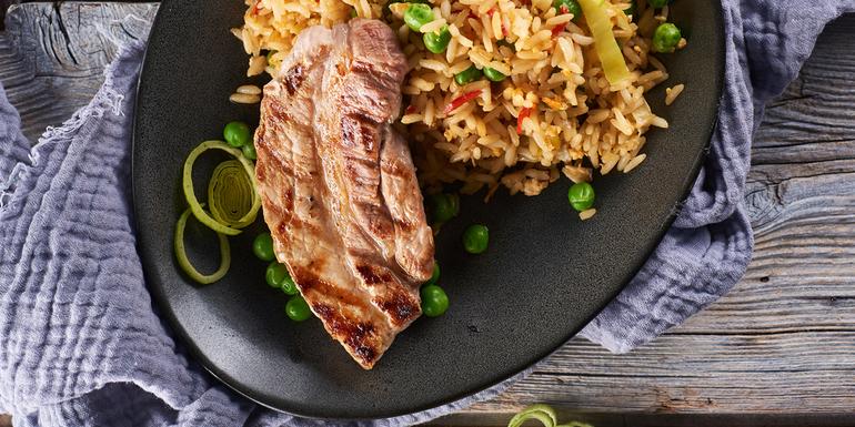 Recept pražen riž s pečenimi rebri